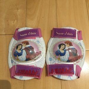 Girl's knee pads